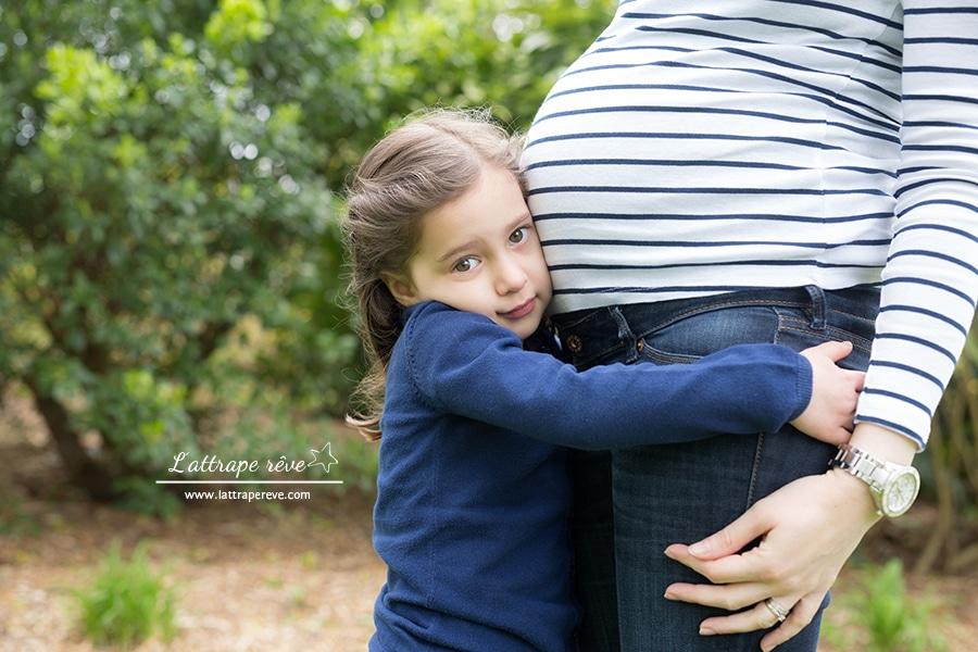 femme enceinte et enfant