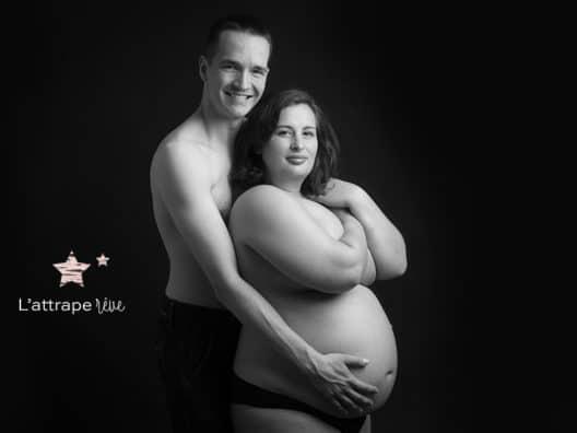 photo fond noir grossesse