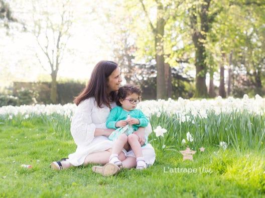 séance de printemps dans les fleurs