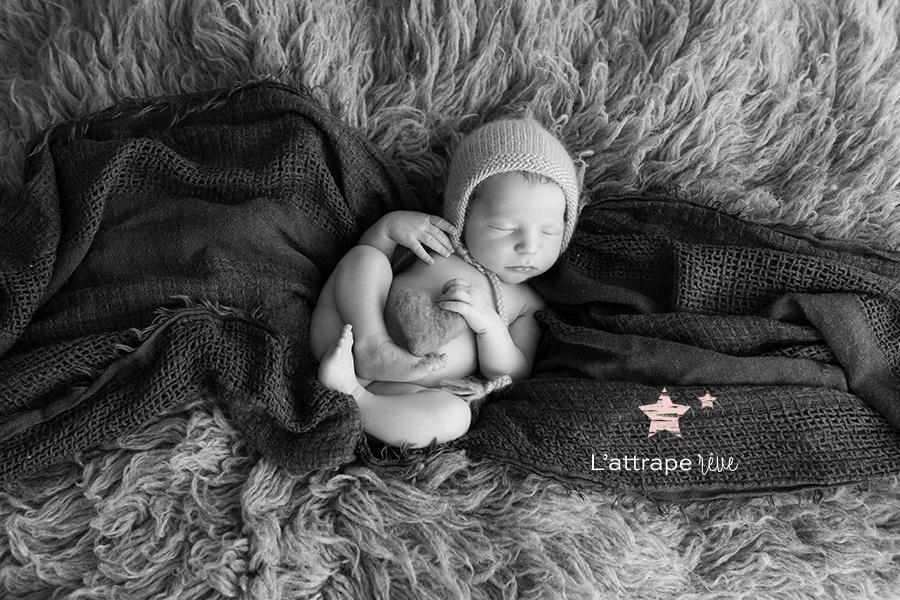 main de bébé délicate
